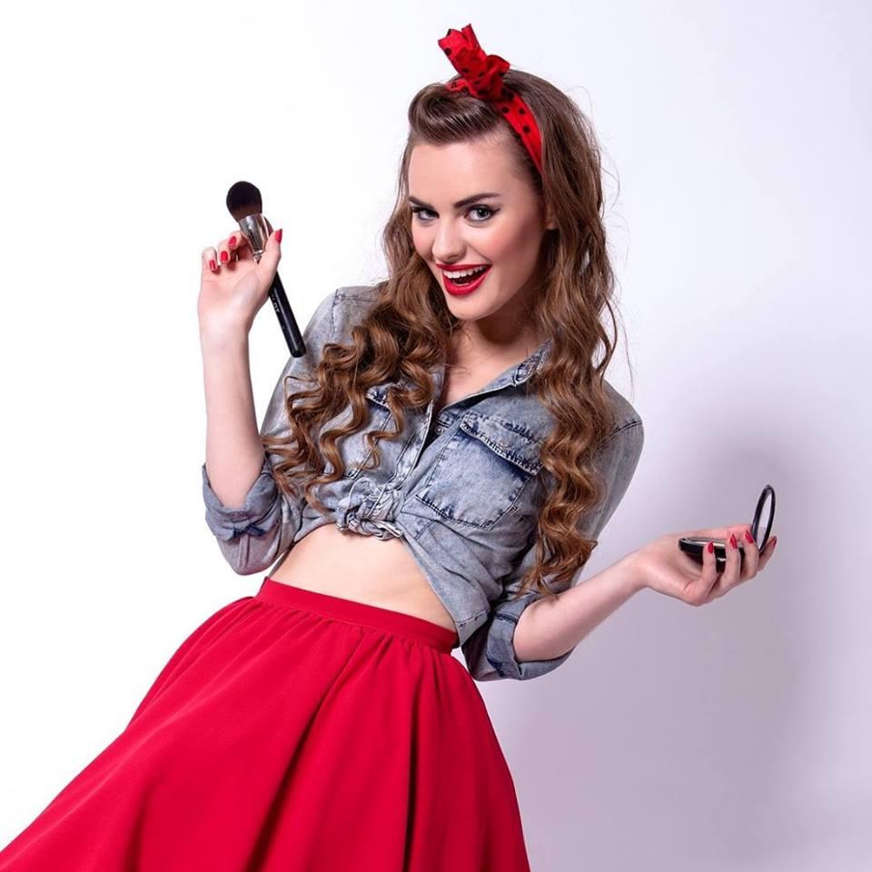 Kinga_Smosna-Murdza_makeupbrow_stylist.jpg